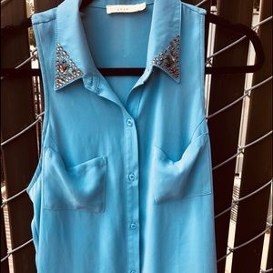 Lush powder blue blouse - M